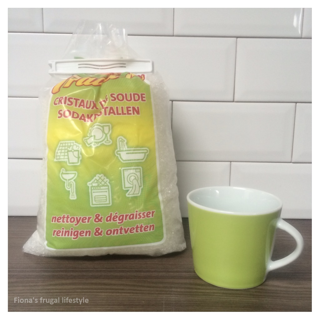 The power of vinegar and soda crystals | Fiona\'s frugal lifestyle